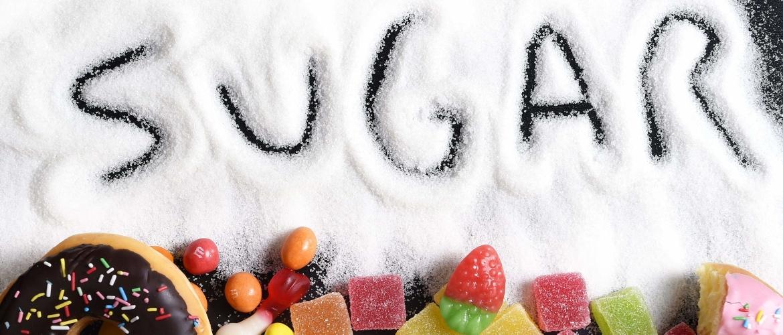 Hoe kom je van je suikerverslaving af? Deze hacks gaan je helpen!