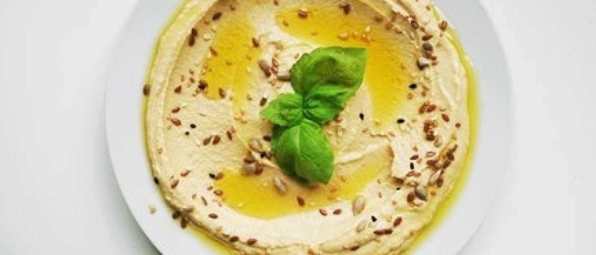 Het beste hummus recept aller tijden! Eet je vingers niet op!