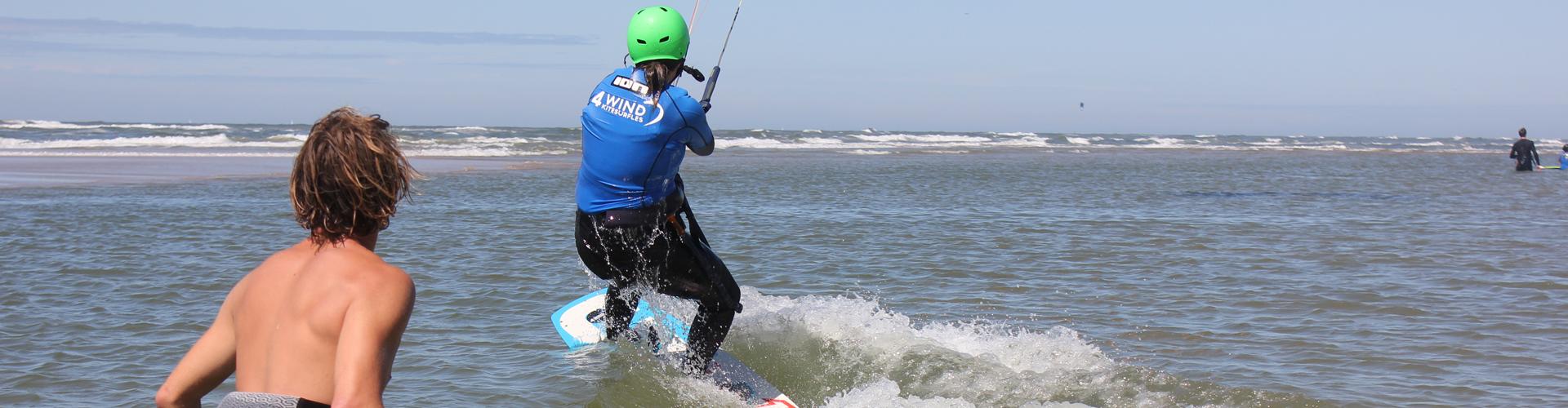 dé kitesurfschool van noord-holland. aan de prachtige noordzee leren kitesurfen