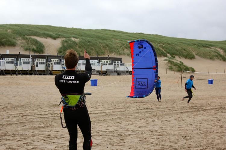 Leren kitesurfen bij 4Wind