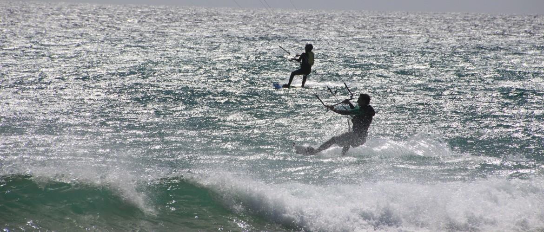 Hoe maak je een bocht met kitesurfen?