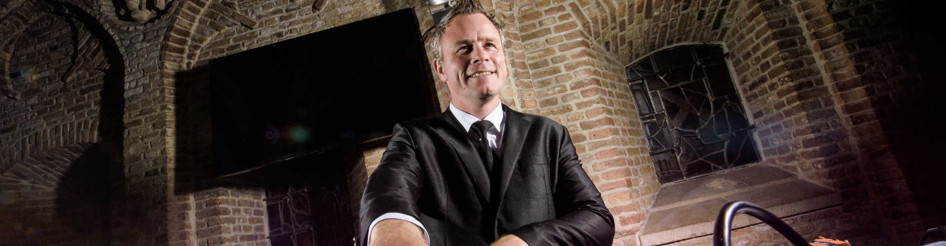 DJ huren voor bruiloft Ambitious DJ Johan Post hier voor exclusieve bruiloft in Gouda
