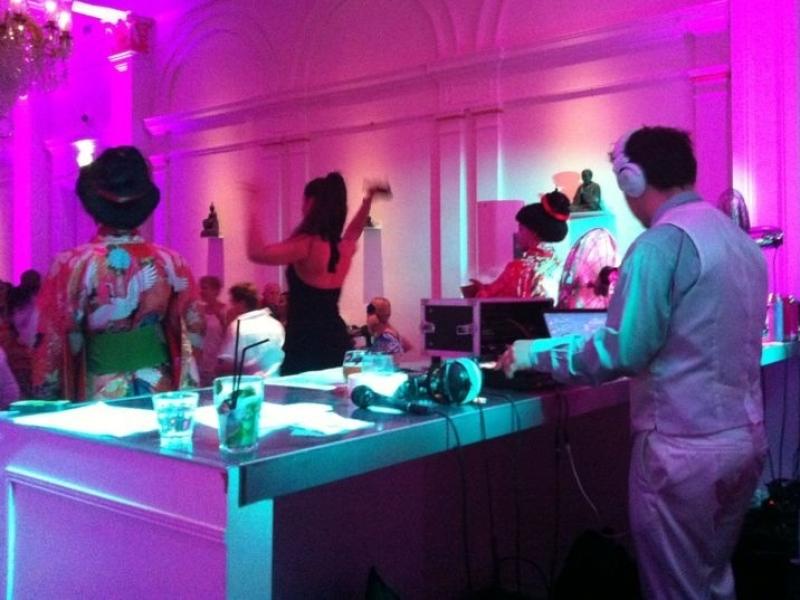 DJ Peter inhuren voor exclusieve bruiloft in 't Wereldmuseum te Rotterdam