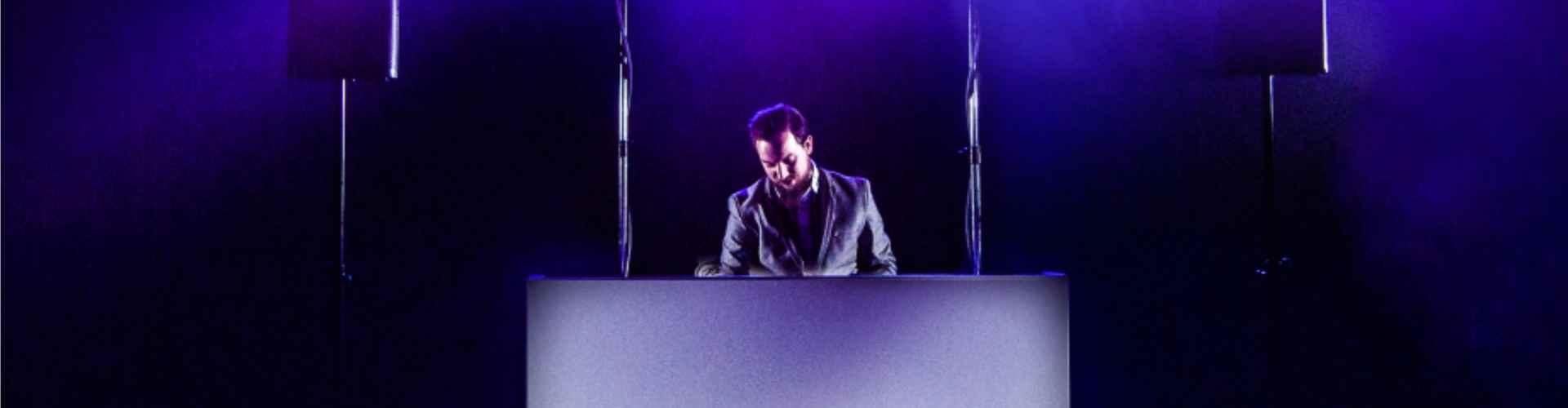 Betaalbare dj show huren met de flexibiliteit en garanties van Ambitious