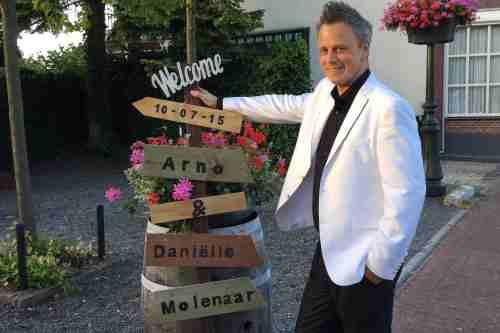 DJ voor bruiloft zoeken Ambitious dj boeken hier tijdens bruiloft in Het Witte Hof te Haastrecht