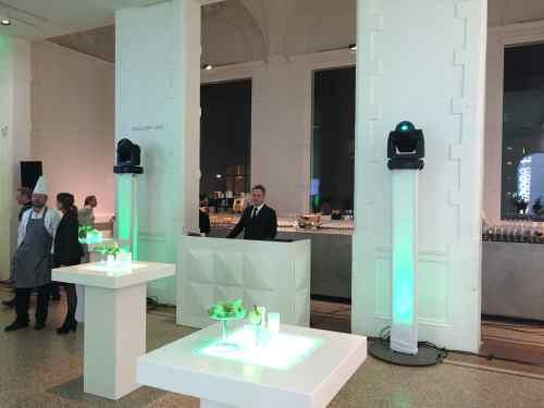 DJ in Amsterdam Stedelijk Museum huren of boeken voor bruiloft met exclusieve show van Ambitious