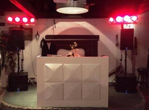 DJ in Bodegraven De Vliethoeve bruiloft met dj boeken van Ambitious