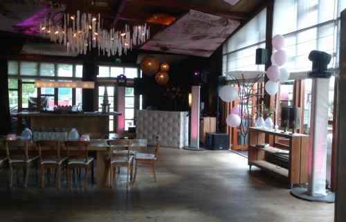 DJ huren in Capelle aan den IJssel Fuiks Eten en Drinken voor bruiloft, verjaardag of bedrijfsfeest