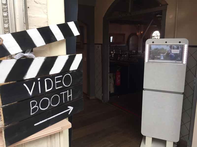 DJ in Delft De Brasserij Serre bruiloft videogastenboek inhuren bij Ambitious