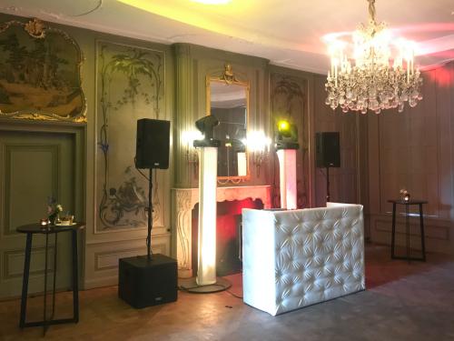 DJ huren in Driebergen Buitenplaats Sparrendaal voor bruiloft, verjaardag of bedrijfsfeest