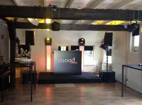 DJ huren in Eerbeek De Mood Lounge voor bruiloft, verjaardag of bedrijfsfeest