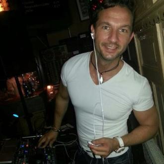 Allround DJ Fred boeken, huren of inhuren? Plaats gratis en vrijblijvend een optie