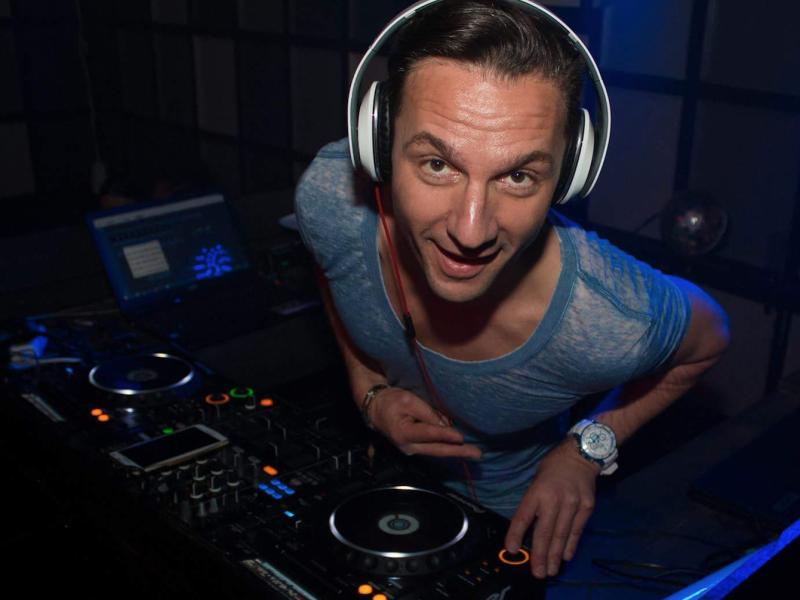 DJ huren Fred boeken