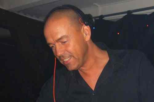 DJ Nijkerk boeken bruiloft DJ leon inhuren voor bedrijfsfeest