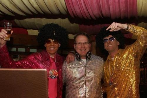 DJ in Santpoort huren voor themafeest Ambitious DJ Klaas boeken