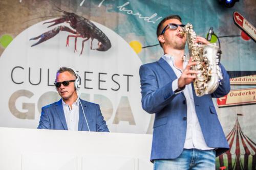 DJ huren met saxofonist