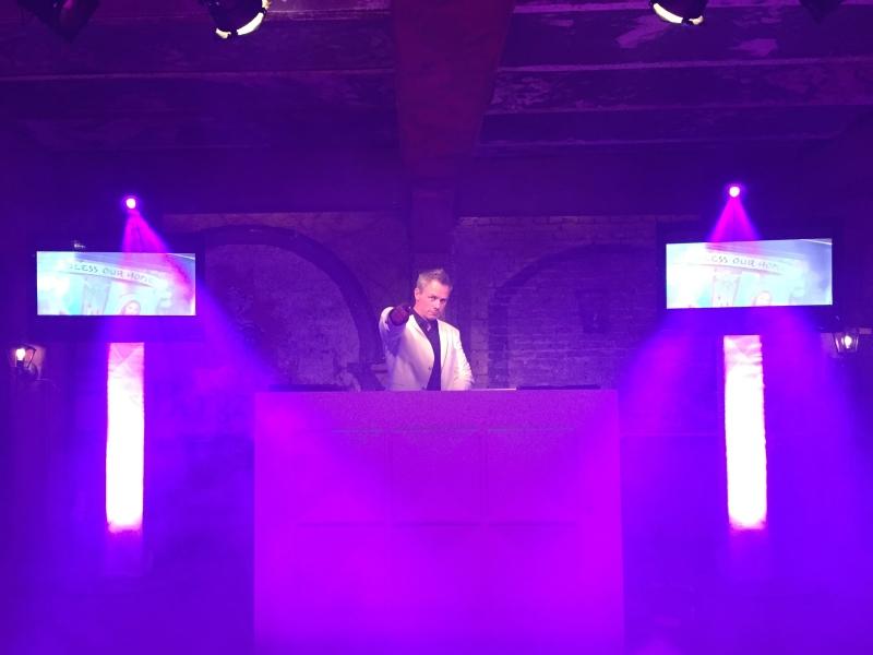 DJ boeken met videoclips
