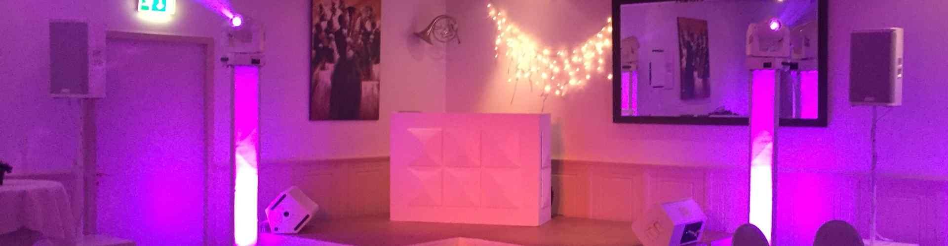 DJ in Lekkerkerk huren voor bruiloft Ambitious DJ hier voor exclusieve bruiloft in Gouda