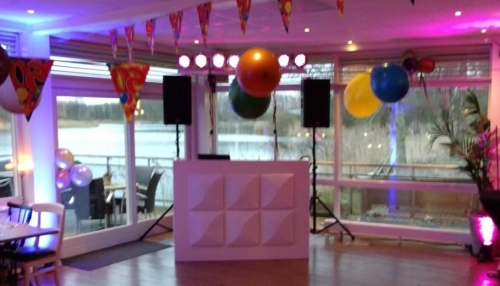 DJ huren in Lelystad Hajé Restaurant Natuurpark voor bruiloft, verjaardag of bedrijfsfeest