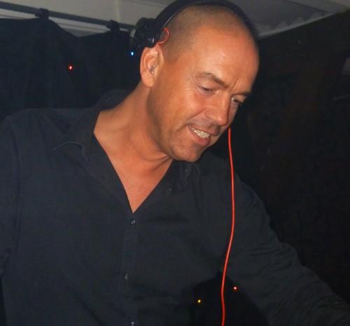 DJ Leon boeken of inhuren als lounge, allround of silent dj eventueel met saxofonist
