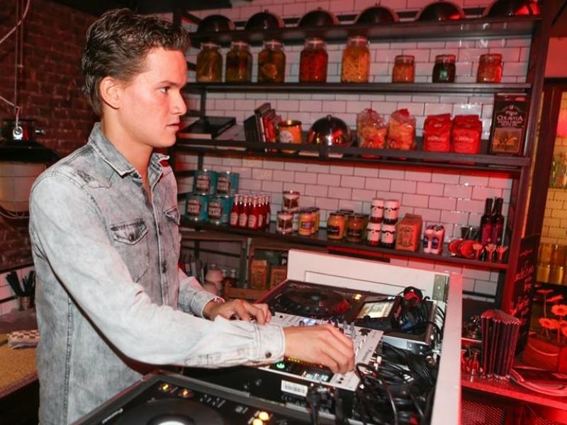 Allround DJ Marten boeken voor club avond, zakelijk of privé feest