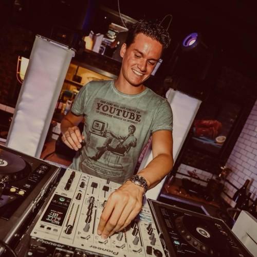 Allround DJ Marten boeken, huren of inhuren? Plaats gratis en vrijblijvend een optie