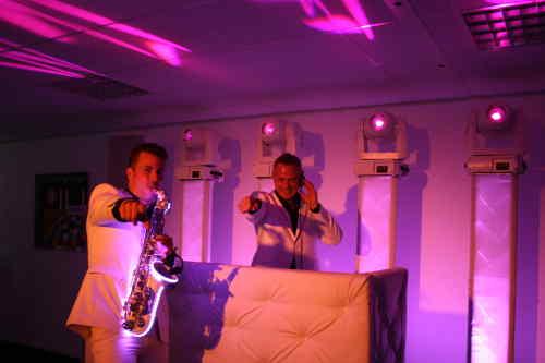 DJ voor bruiloft zoeken is demo avond van Ambitious bezoeken