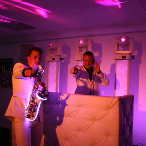Sax Up The DJ tijdens dj-demo in Reeuwijk
