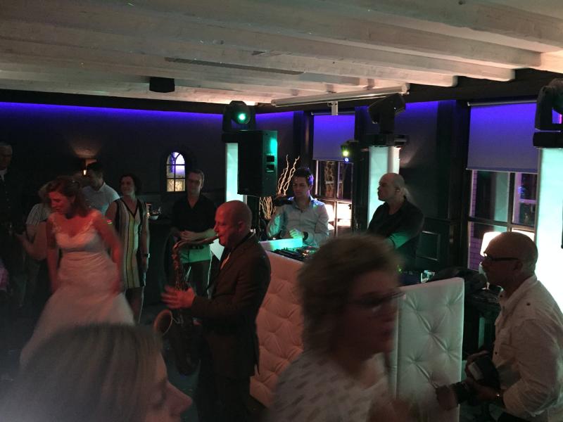 DJ in Meteren
