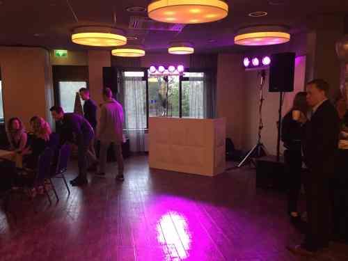 DJ huren in Het Wapen van Oostvoorne voor bruiloft, verjaardag of bedrijfsfeest