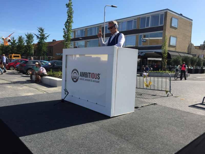 DJ in Reeuwijk met DJ Johan Post heropening Winkelcentrum Westplein met Sax Up The DJ huren