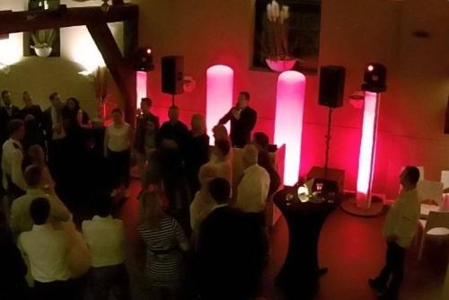 DJ huren in Rijsoord De Wevershoeve voor bruiloft, verjaardag of bedrijfsfeest