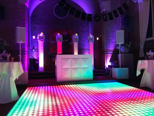 DJ huren in Son en Breugel La Sonnerie voor bruiloft, verjaardag of bedrijfsfeest