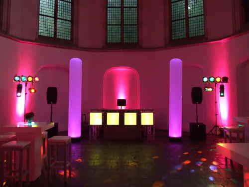DJ boeken in Janskerk Utrecht dj van Ambitious inhuren voor feest of evenement