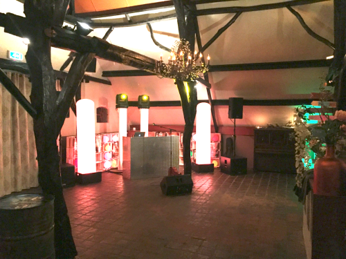 DJ huren in Zoelen Herberg De Zoelensche Brug voor bruiloft, verjaardag of bedrijfsfeest