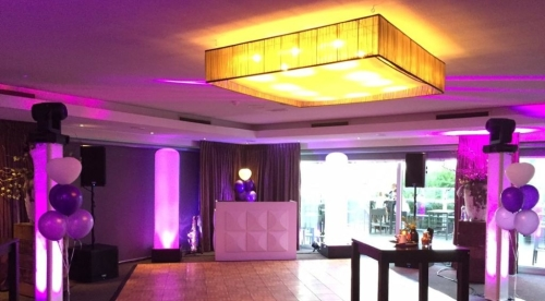 DJ huren in Zwijndrecht Van der Valk Hotel Ara voor bruiloft, verjaardag of bedrijfsfeest
