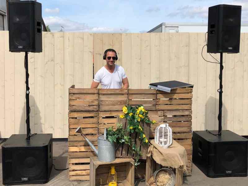 Festival DJ Fred boeken voor background beats of Deep House