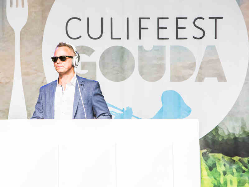 DJ met saxofonist in Gouda huren op Goudasfalt culinair event Culifeest