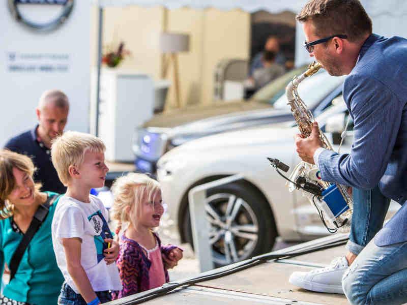 DJ met saxofonist in Gouda zoeken Goudasfalt meerdaags openbaar evenement Culifeest