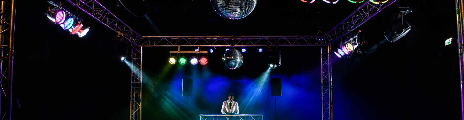 DJ voor bruiloft Ambitious DJ hier voor exclusieve bruiloft in Gouda
