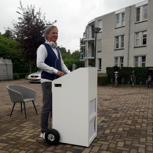 Mobiele DJ Johan Post bij Gouwestein in Gouda