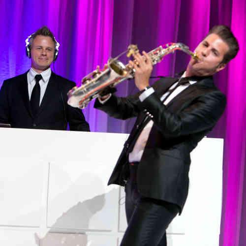 Saxofonist Boris boeken met DJ Johan Post als Sax Up The DJ