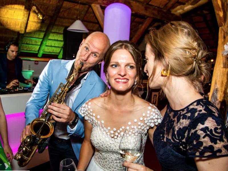 Saxofonist Tim huren voor bruiloft