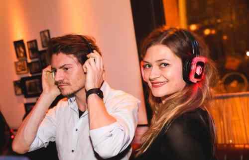 Silent Disco boeken of Silent DJ huren voor bruiloft of bedrijfsfeest