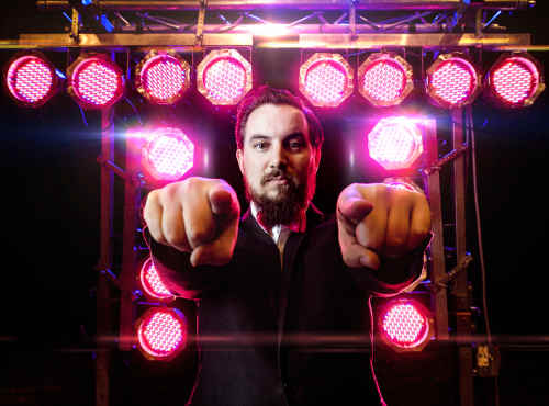 Ambitious feest dj huren of boeken zoals Ambitious DJ Peter