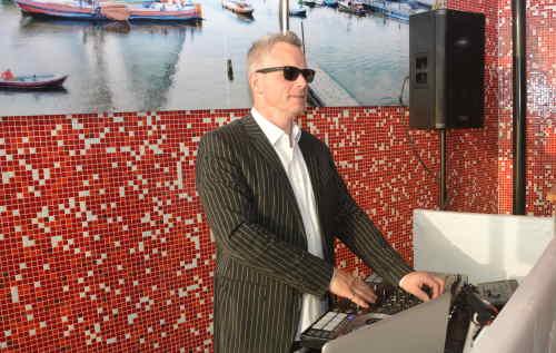 DJ Rotterdam Tuin van de Vier Windstreken 50e verjaardagsfeest en dj inhuren van Ambitious