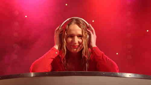Female DJ Annelies boeken, huren of inhuren? Plaats gratis en vrijblijvend een optie