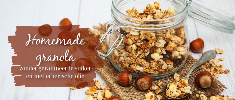 Suikervrije granola, geweekt en met ahornsiroop en etherische olie
