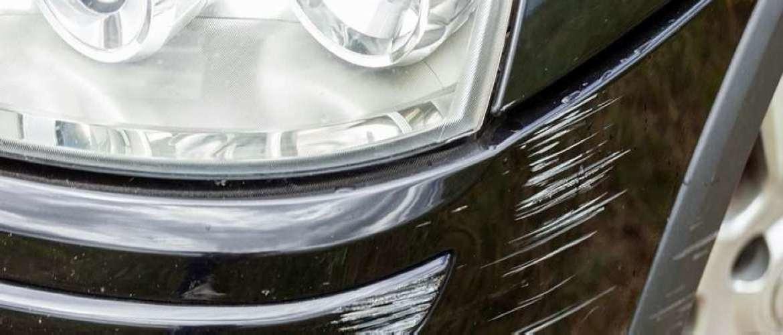Krassen op autolak: zo herstel je de krassen