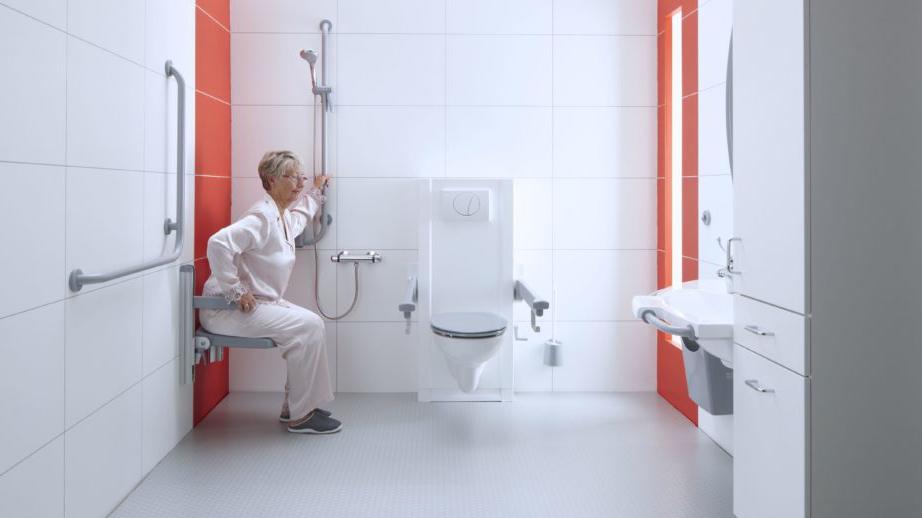 Waarom is een douchezitje beter dan een douchestoel?